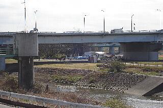 t3729多摩川の兵庫島にあるお店